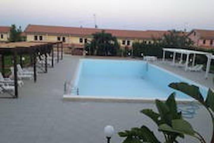 residence con piscina 200m dal mare (3)