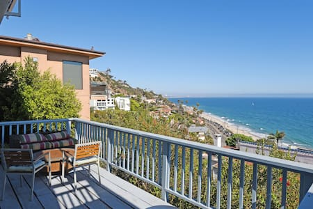 Studio with gorgeous ocean view! - Los Angeles