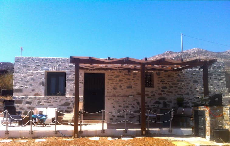 Stone House with Stunning Sea View - Syros - Huis