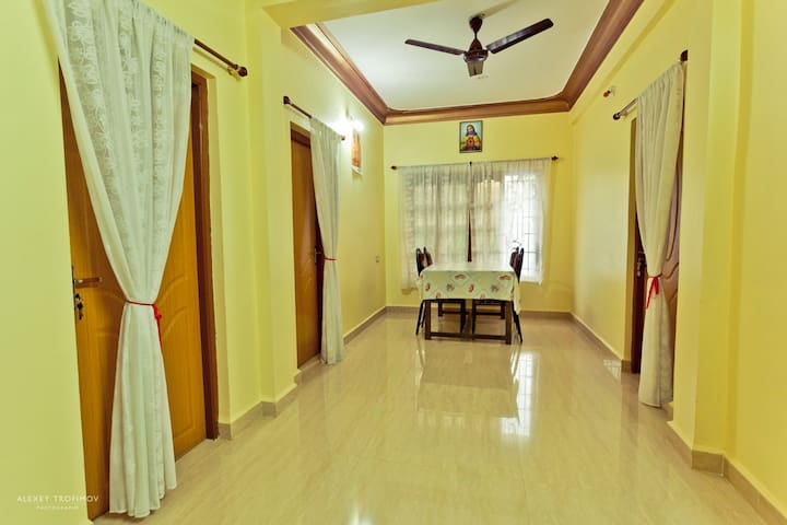 3 rooms apartment near beach WIFI - North Goa - Appartement