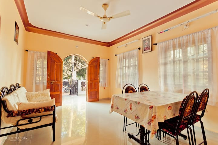 Sunny 2 rooms apartment near beach - North Goa - Appartement