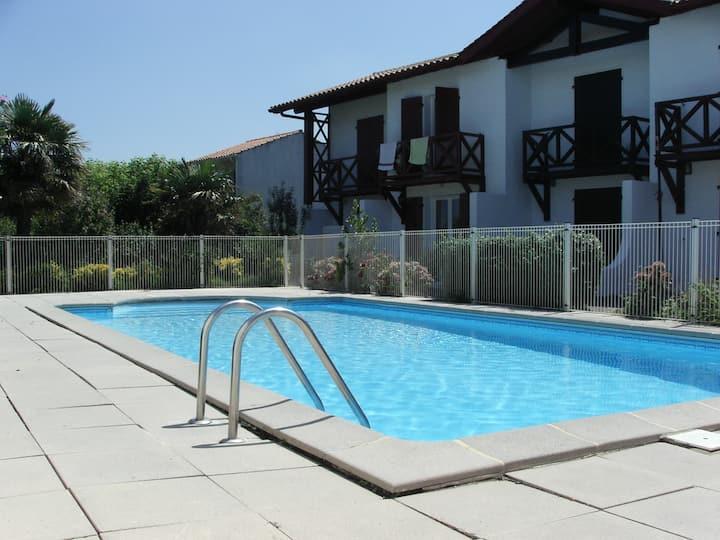 Maisonnette T3 classée 2* piscine & plage à pied