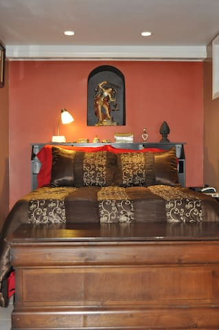 THE COZY SUITE TO RECHARGE YOUR SPIRIT. - Center Moriches