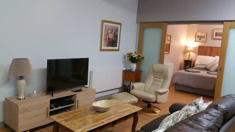 DungloeApartments 1 bedroom self catering studio
