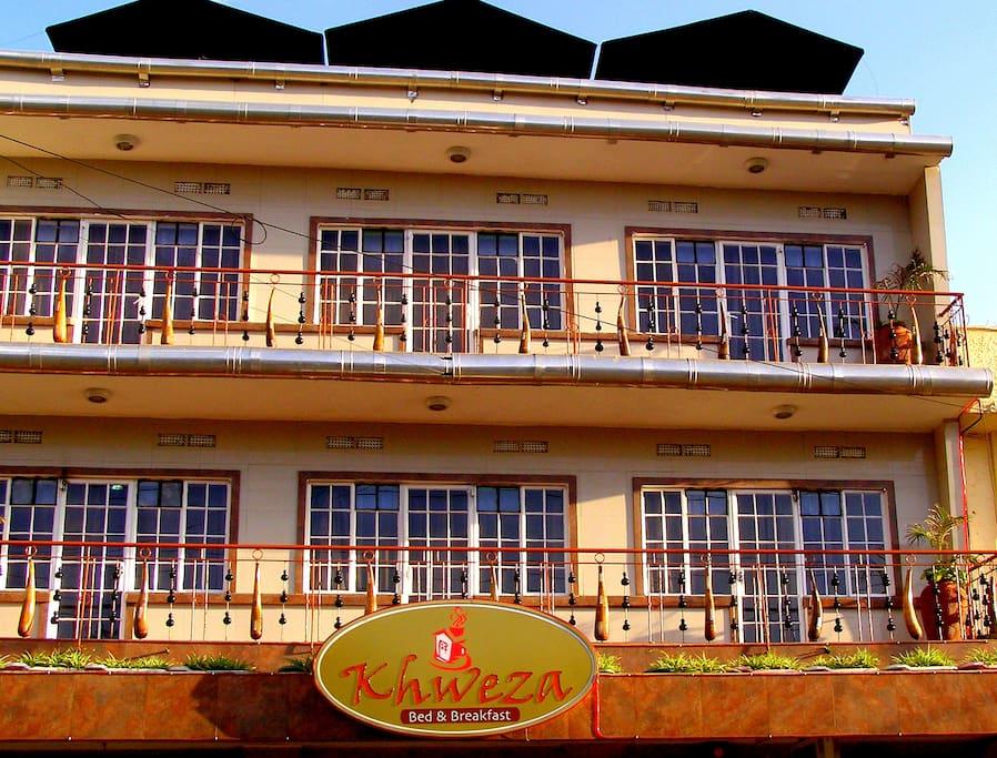 Front view of Khweza B&B