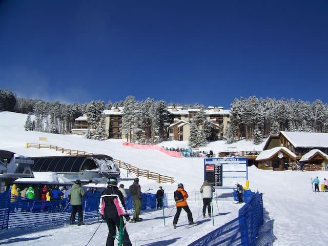 Excellent ski in/ski out location! - Breckenridge - Lejlighed