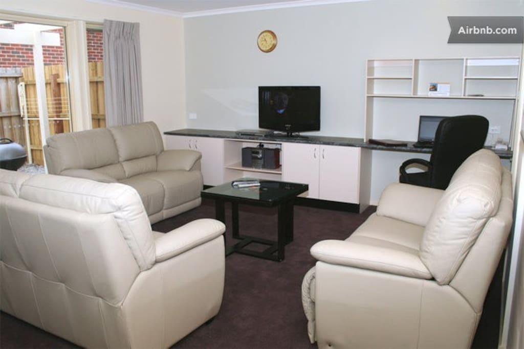 MiHomes Executive Apartments!!! (A)