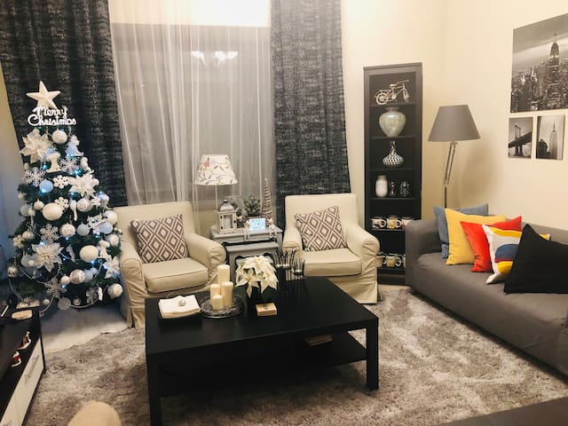 BIG ROOM w/ BR 2-4pax beside Metro near Dubaimall