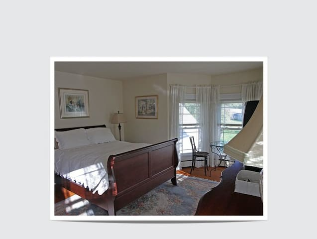 Victorian Farm House at Catskill NY - Lexington - Bed & Breakfast
