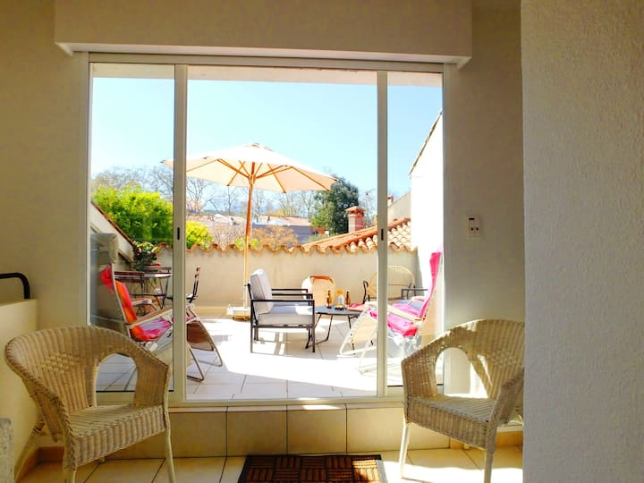 Ceret - Chic Town House with Roof Terrace & Patio!
