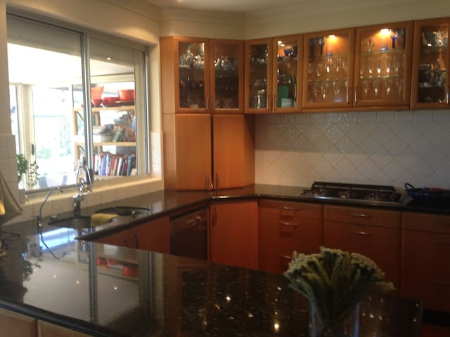 Gourmet kitchen fully equipped including Thermomix