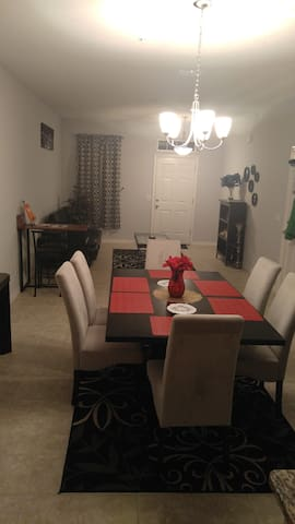 1BED/BATH PRIVATE ROOM IN A TWO FLOOR TOWNHOME - Ocoee