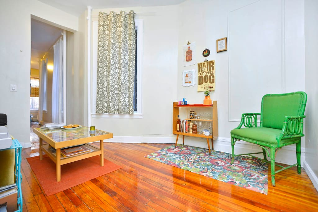 Large UWS Apt close to Central Park