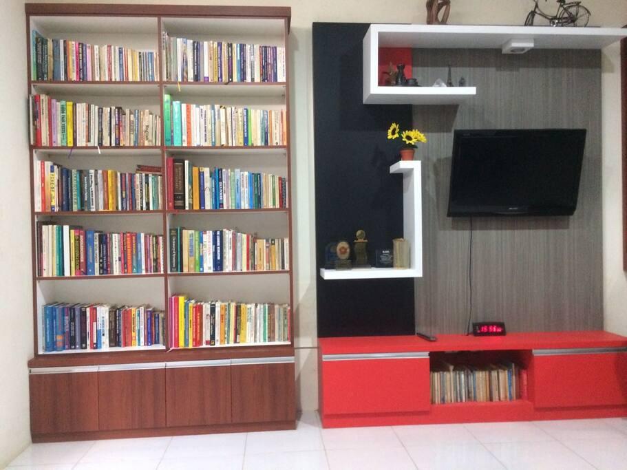 Books and more books to accompany you