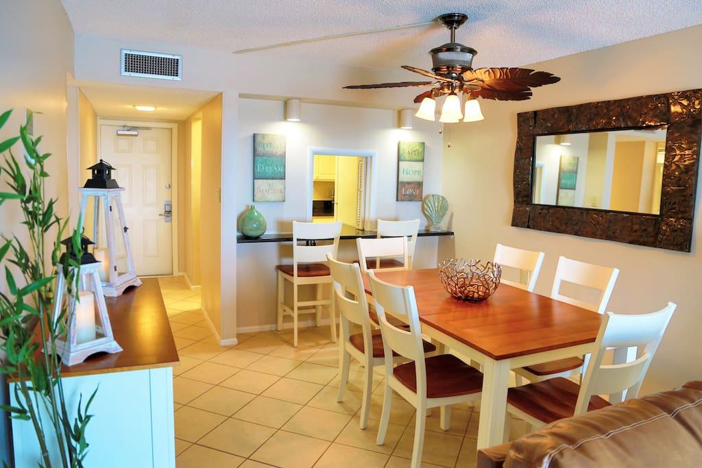 Dining room with enough seating for the whole family!