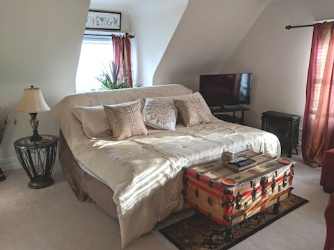 Cozy 1 OR 2 BR Apt Minutes to NYC Bus