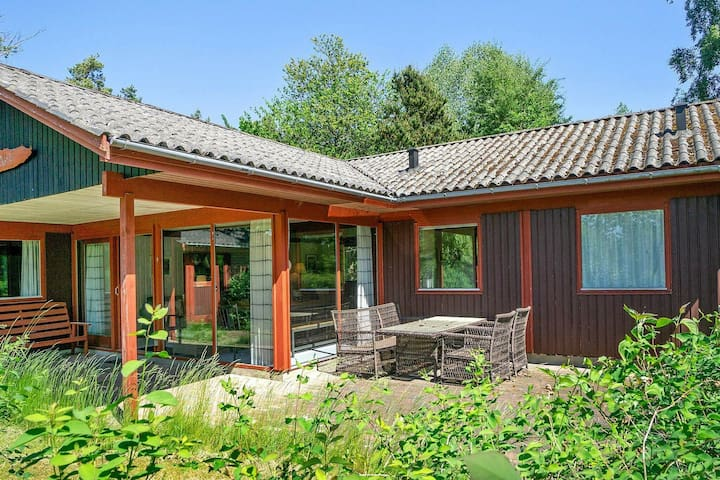 Amazing Holiday Home in Aakirkeby near Sea