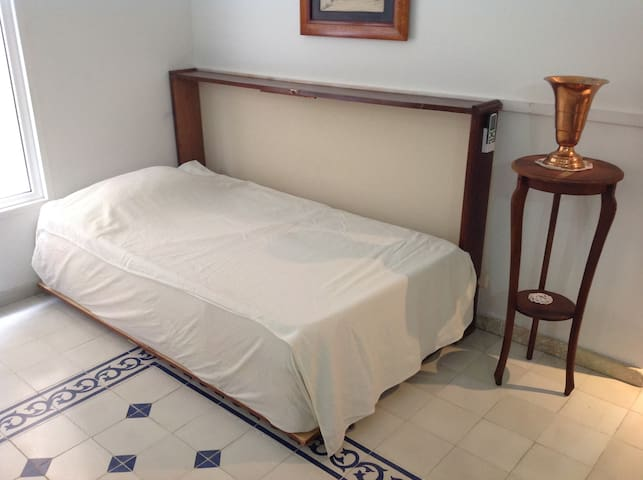 Gorgeous Pool, Terrace & Flat in Hippest Old Town - Cartagena - Apartemen