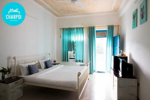 Super Deluxe Room with Arawali Hill facing Balcony