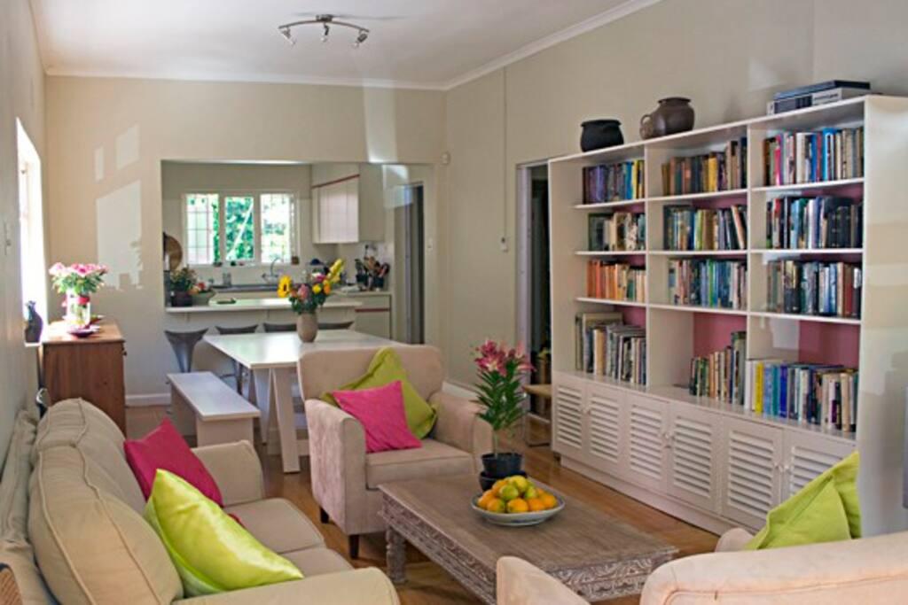 Light and comfortable lounge