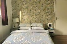 Double Room/Private Bathroom/Shepherds Bush/W12