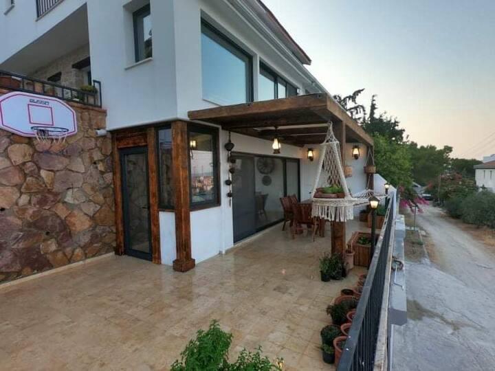 Full Deniz Manzaralı Love place