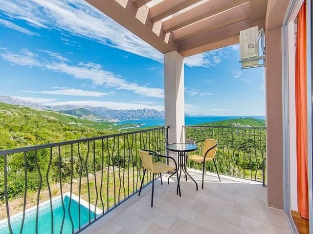 4-bedr. villa lux 306 Krimovica - Budva - Casa