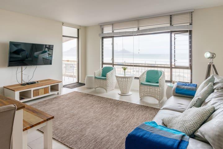 Stylish Modern beach front apartment