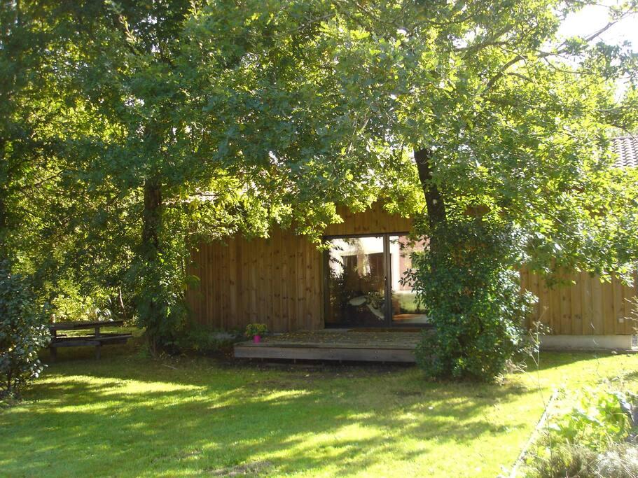 la petite maison d 39 ete guesthouses for rent in biscarrosse aquitaine france. Black Bedroom Furniture Sets. Home Design Ideas