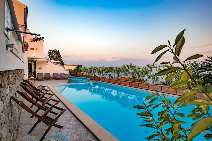 Villa Elena in the heart of Amalfi Coast