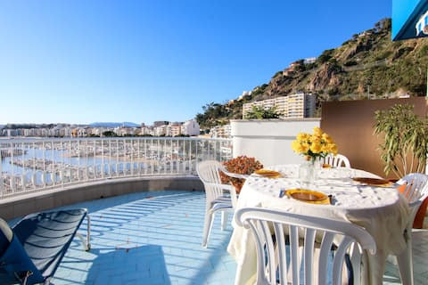 Apartment with view of Port Blanes for 7 people