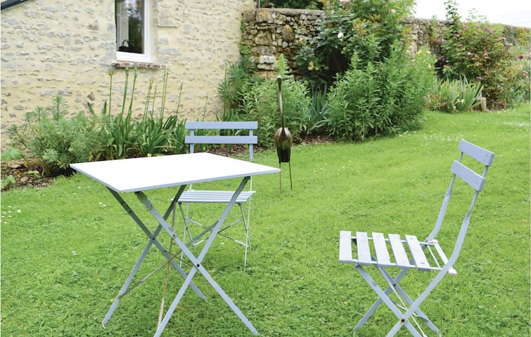 Terraced house with 4 bedrooms on 112m² in Le Molay Littry