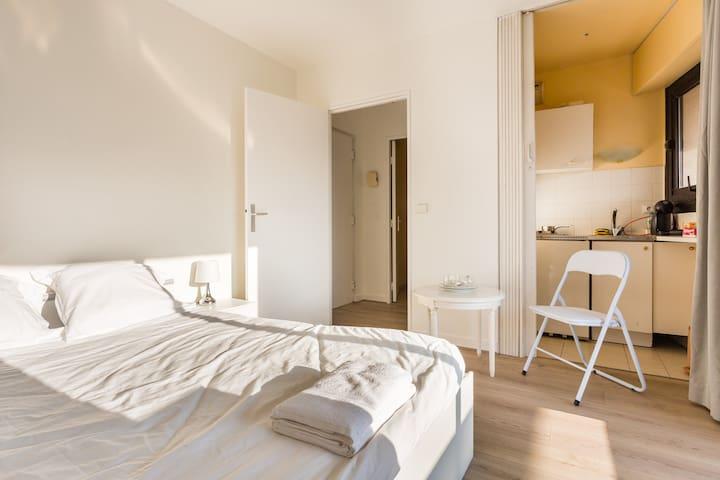 Lovely Studio with Balcony#Standing#Paris - Levallois-Perret - Leilighet