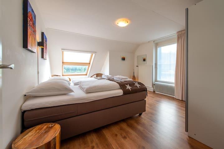 Zuider slaapkamer