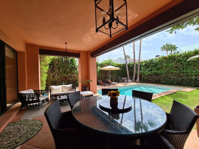 Spectacular villa for rent in the Golden Mile