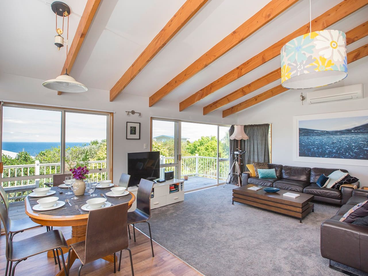Tui Harbour View- Leigh Holiday Home- Lounge and Dining