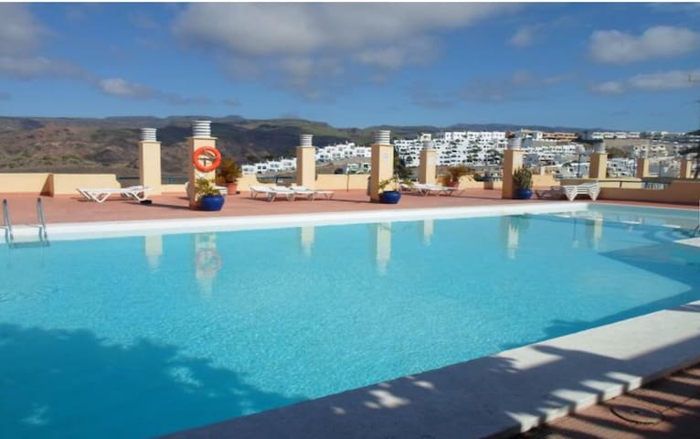 By pool close to Amadores Beach - Mogán - Apartamento