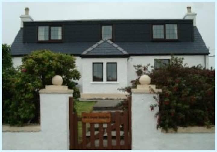 An t-Seann Dachaidh cottage, North Uist
