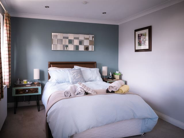 Newly furnished and decorated Double bedroom
