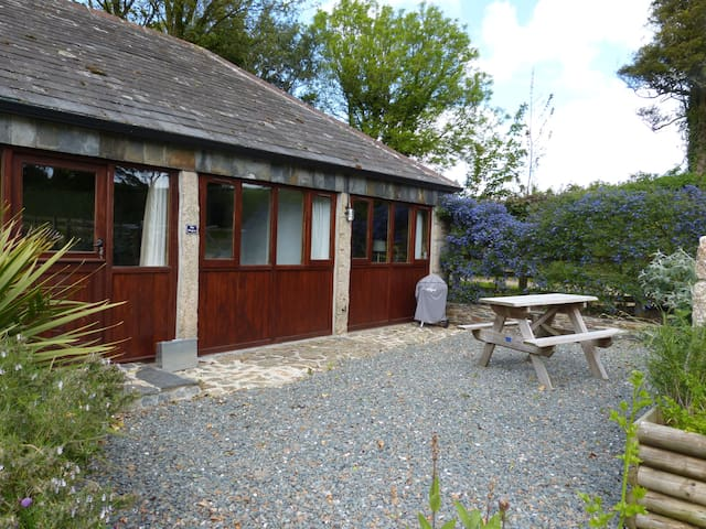 The Wagon, a barn conversion for 2 in N.Cornwall - Saint Teath - Ev