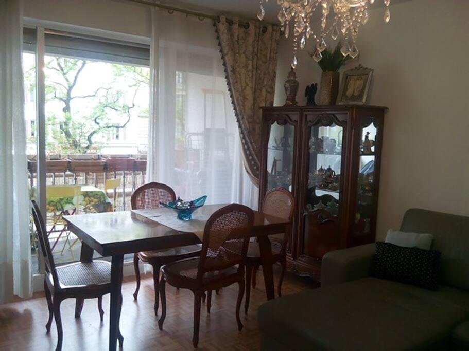sweet home buttes chaumont apartments for rent in paris 19e arrondissement le de france france. Black Bedroom Furniture Sets. Home Design Ideas