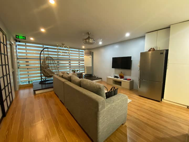 Modern 2BR City Penthouse  (Free Airport pick up)