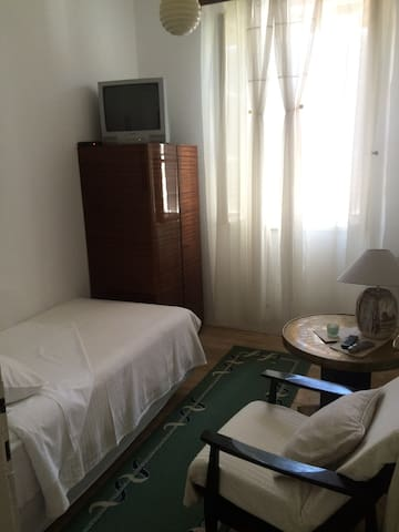 Single bedroom in Kut