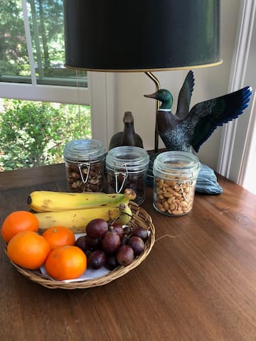Fresh fruit basket and healthy snacks included