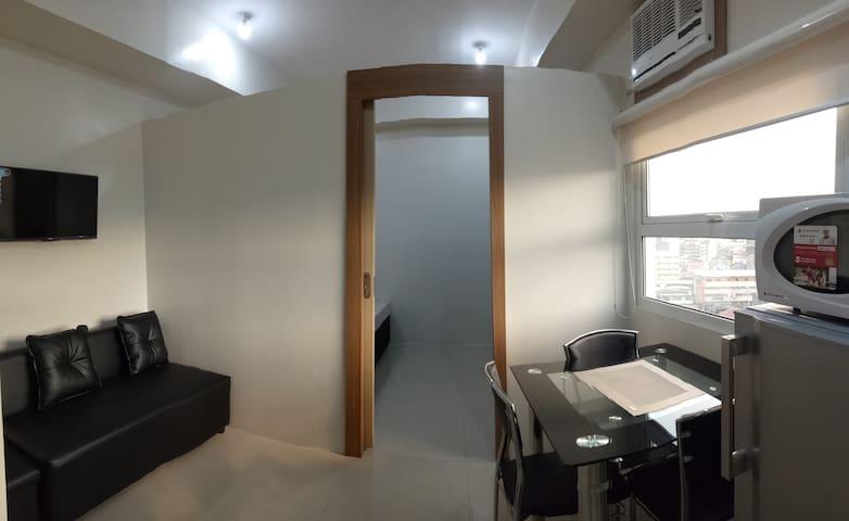 Deluxe 1 brm unit Jhocson Residences Sampaloc Mnl