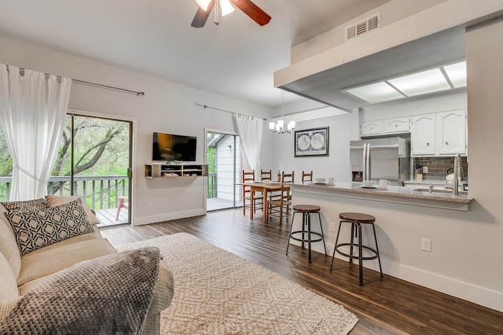 South Austin Creekside Retreat!