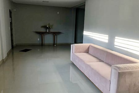Apartamento-3 próximo ao  Buriti Shopping .