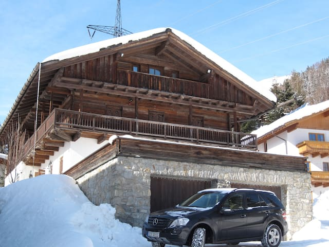Beautiful large Alpine ski Chalet - Sankt Anton am Arlberg - Chalet