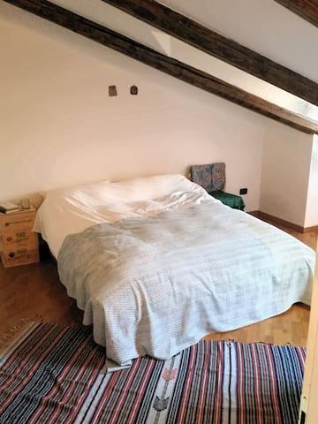 Mansarda/Attic Appartamento nel Centro Storico Bra - Bra - Apartment