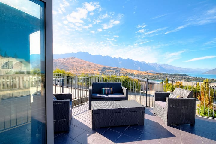 Peregrine Views - Queenstown - Casa